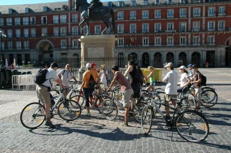Bike tour around madrid