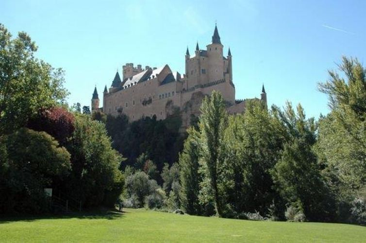Tour to Segovia