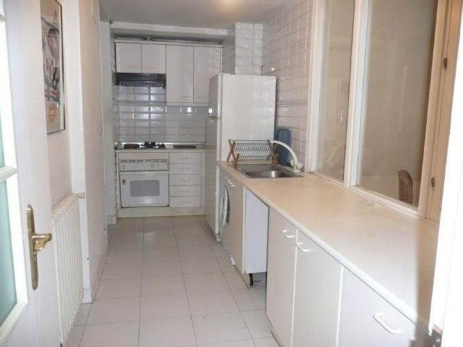 Shared flat 15 min from the school - kitchen